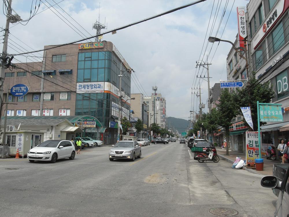 Dong Song high street